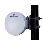 (HPLP1-26RR) Radiowaves<br>1 ft High Performance Antenna Low Profile 24.25-26.50 GHz Single Polarized Rectangular Remec Interface